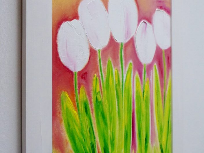 5 white tulips