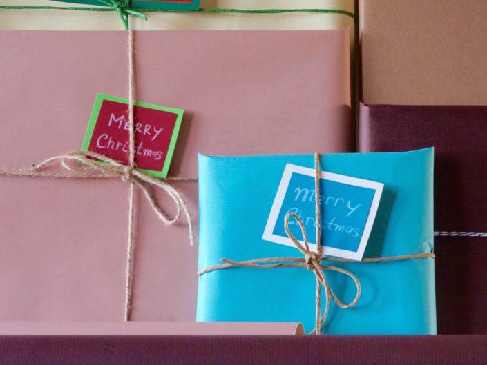 100 грн., Подарункове пакування і вітальна листівка